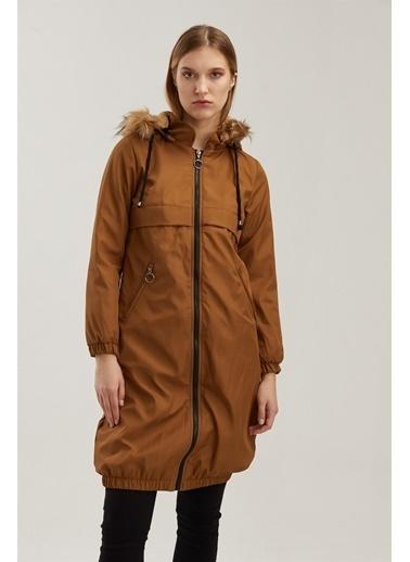 Z Giyim Kapşonlu Fermuarlı Eteği Lastikli İçi Kürklü Kaban Taba